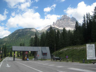 picture of the Tre Cime di Lavaredo